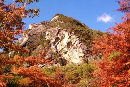 Gorgeous Shosenkyo Gorge and its autumn colors