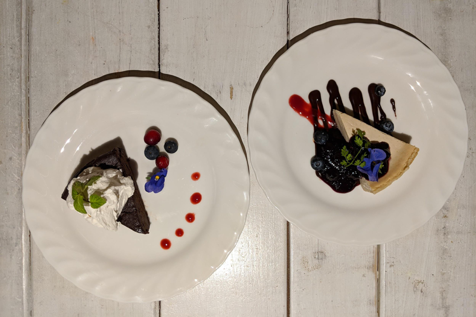 Picture of vegan gateau chocolat or cheesecakes