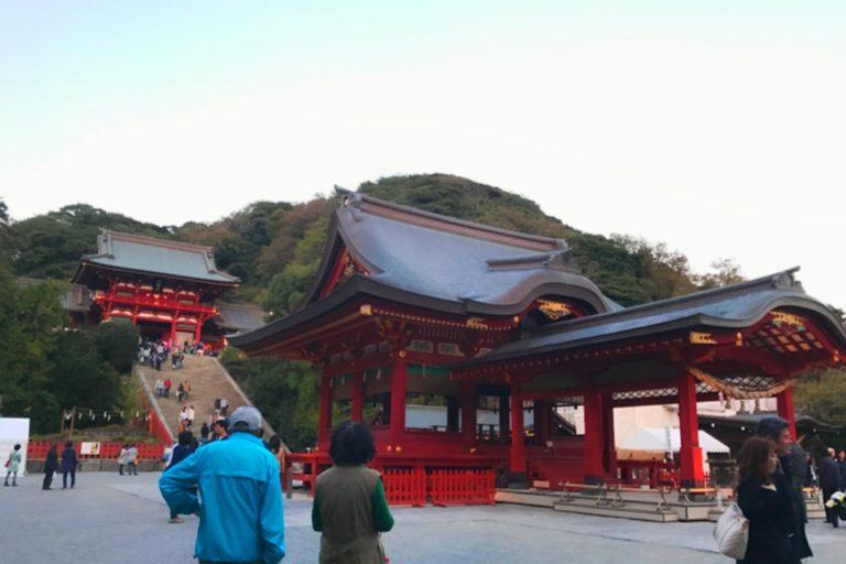 A side view of the Tsurugaoka Hachimangū Shrine