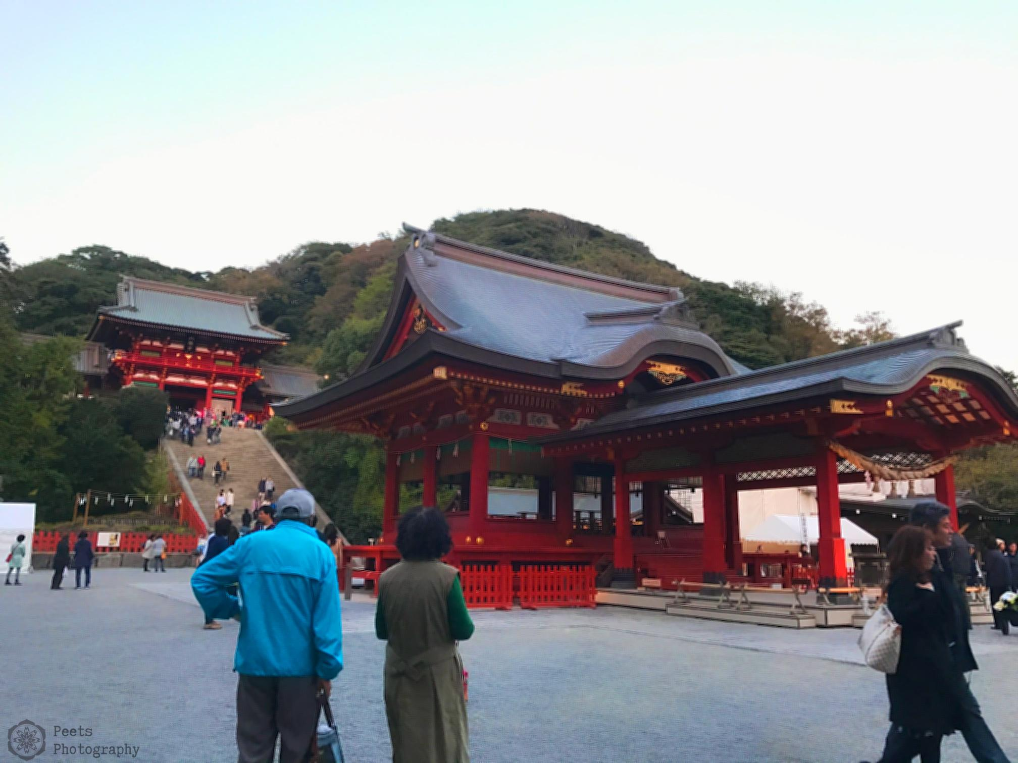 A side view of the Tsurugaoka Hachimangū Shrine
